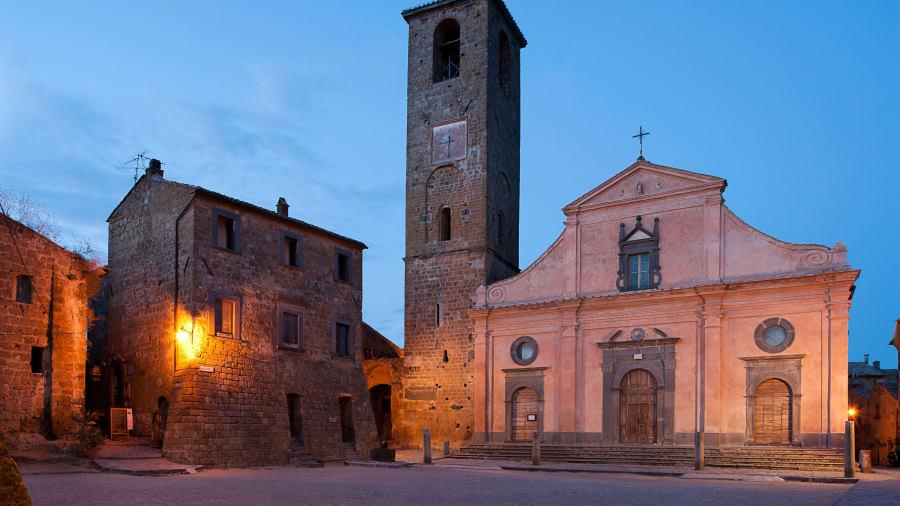 بلدة إيطالية تفرض رسوم الدخول على سياحها