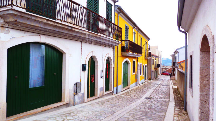 بلدة إيطالية تدفع الإيجار للمقيمين الجدد شرط الاستقرار فيها
