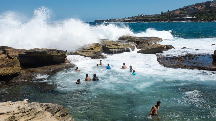 تعرف إلى أفضل 10 وجهات للسباحة في العالم