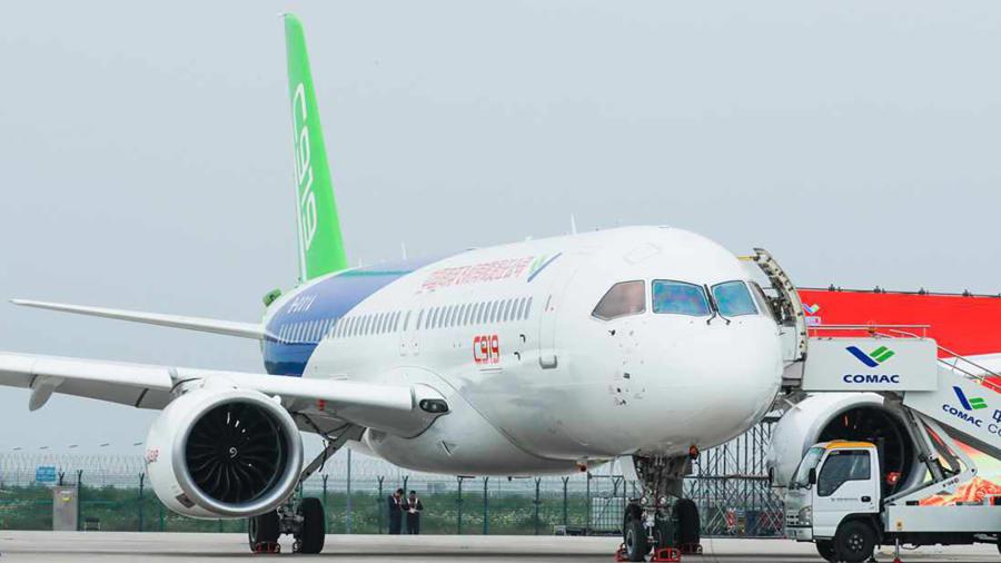 """الصين تنافس """"بوينغ"""" و""""إيرباص"""" بطائرة جديدة.. ما ميزاتها؟"""