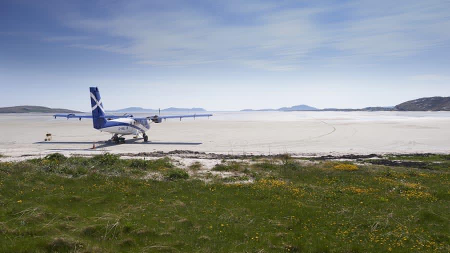"""مطار """"بارا"""" في اسكتلندا"""