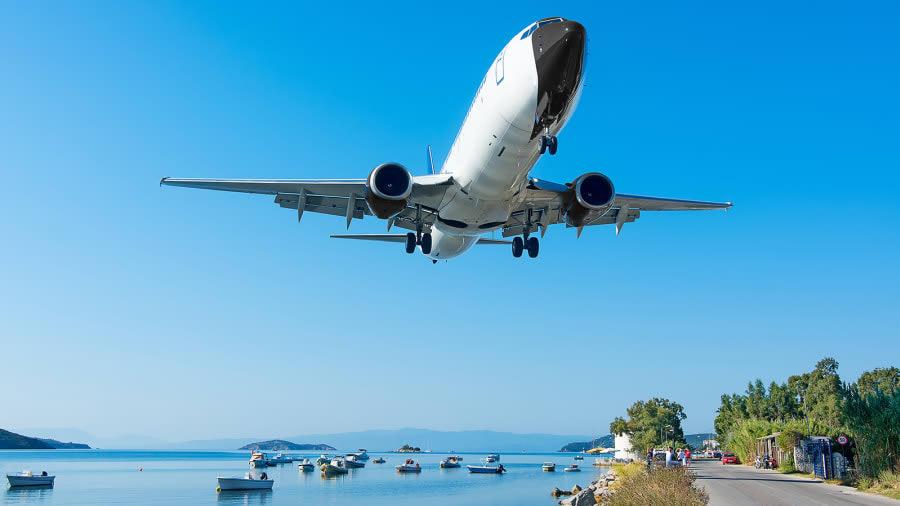 مطار سكياثوس الدولي في جزيرة سكياثوس، اليونان