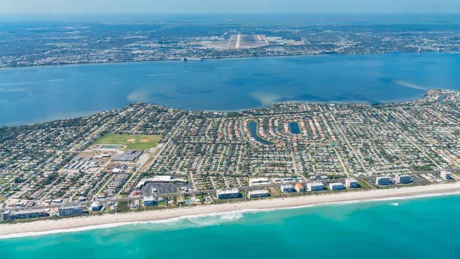 مطار أورلاندو ملبورن الدولي، فلوريدا
