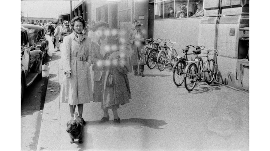 صور غامضة التقطت منذ 70 عاماً تثير الفضول في جميع أنحاء العالم