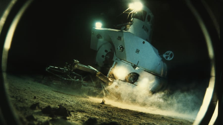 عالم المحيطات الشهير، روبرت بالارد
