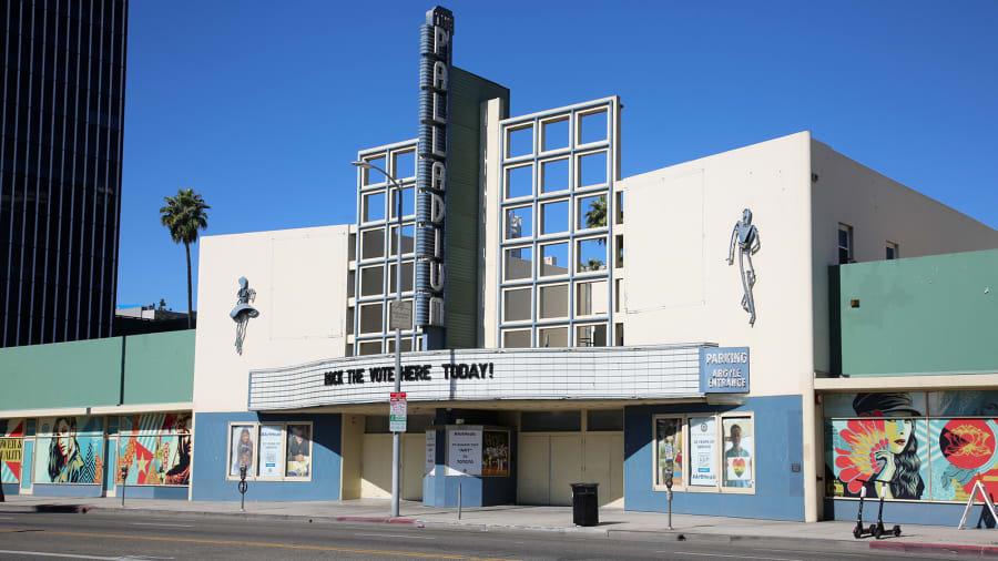 """شارع """"سانسيت بوليفارد"""" في مدينة لوس أنجلوس، الولايات المتحدة الأمريكية"""