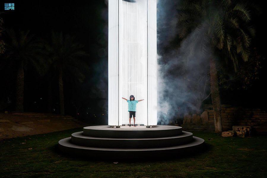 """المنارة والنجمة المتحركة.. نور الرياض في السعودية يحقق رقمين قياسيين بموسوعة """"غينيس"""""""