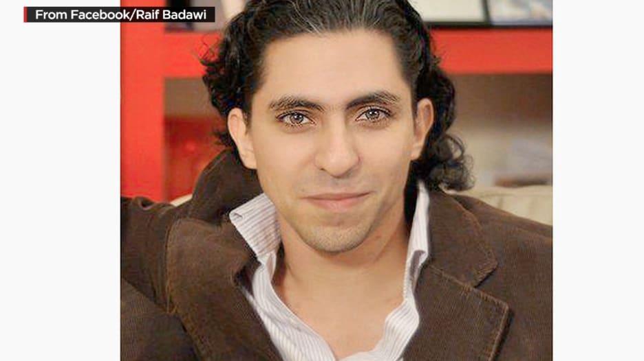 هل تدخل الملك سلمان لتعليق جلد المدون رائف بدوي؟