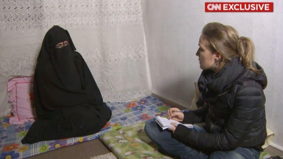 """حصري.. فتاة سورية تروي لـ CNN قصة زواجها مكرهة من """"داعشي"""""""