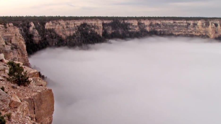 """شاهد بالفاصل الزمني: السحب تجتاح """"غراند كانيون"""""""