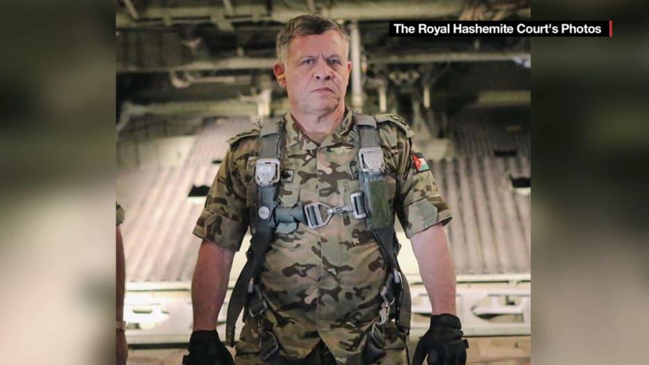 الأردن يترقب المواجهة مع داعش.. مع ملك طيار مقاتل وملكة تدافع عن حقوق المرأة