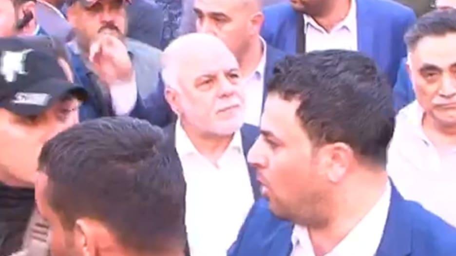 بالفيديو: العبادي يزور موقع الانفجار الذي أودى بحياة 125 شخصاً في بغداد