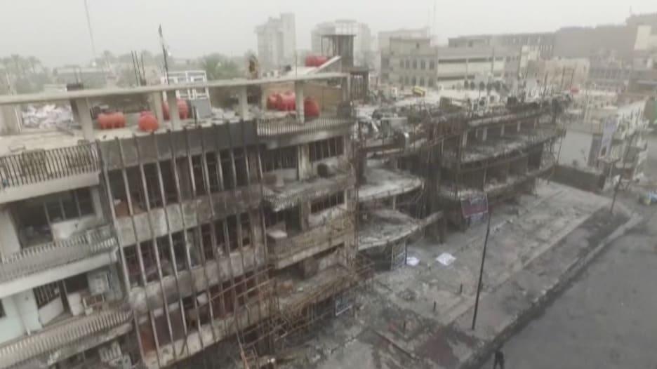 شاهد لقطات من طائرة بدون طيار تظهر الدمار الذي خلفه تفجير الكرادة الانتحاري