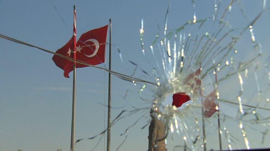 بالفيديو: عدسة CNN تنقل آثار محاولة الانقلاب في تركيا.. في بحث عن سبب فشله