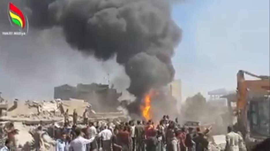 """""""داعش"""" يتبنى مسؤولية تفجير انتحاري قتل العشرات في مدينة القامشلي السورية"""