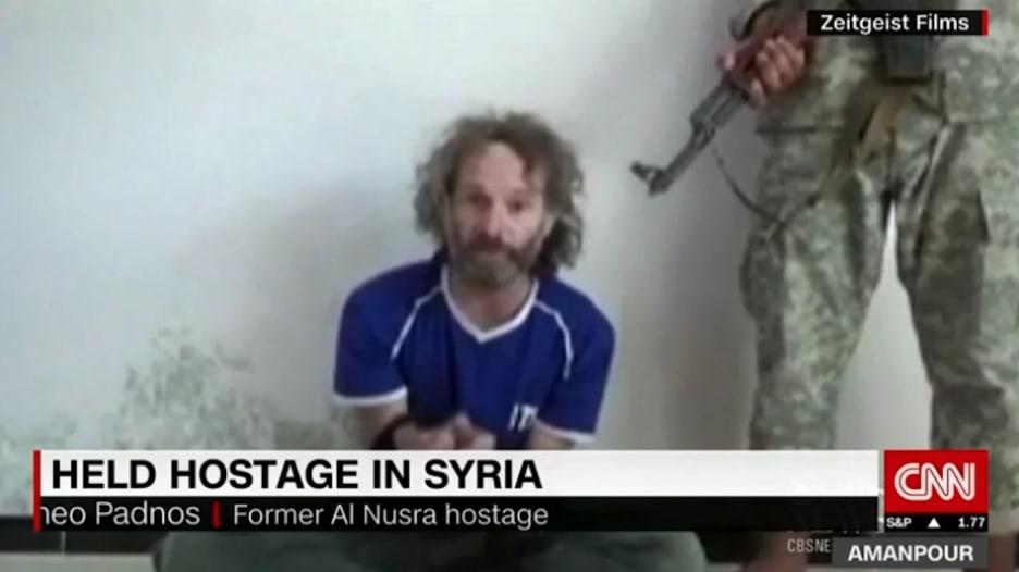"""صحفي أمريكي يروي تفاصيل احتجازه لدى """"جبهة النصرة"""""""