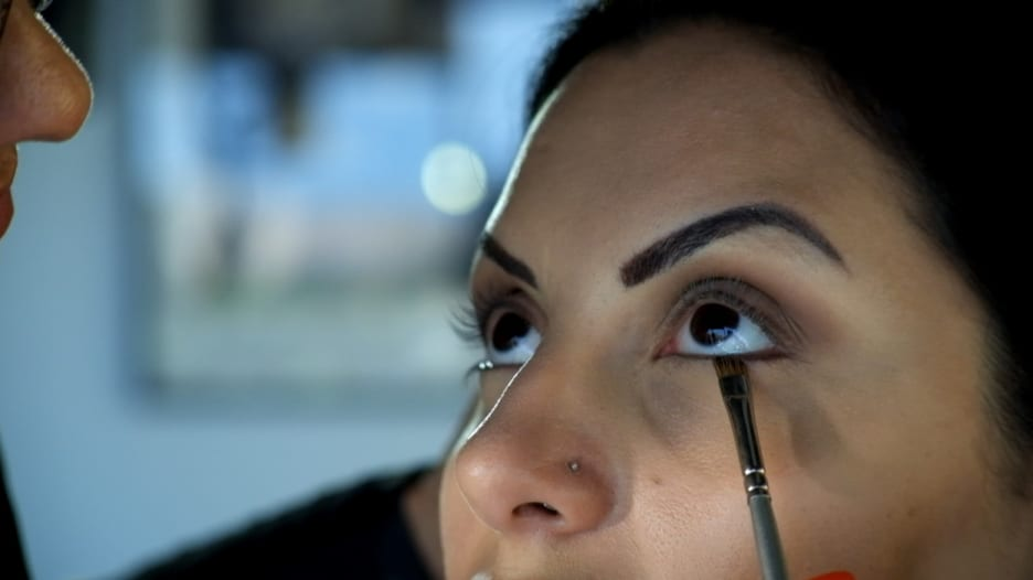 جمالكِ بدقيقة.. هكذا تضعين ماكياج العين للنهار