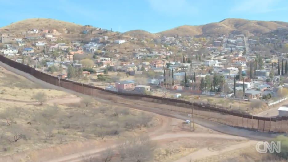 كيف تبدو حقيقة الجدار الحدودي بين أمريكا والمكسيك