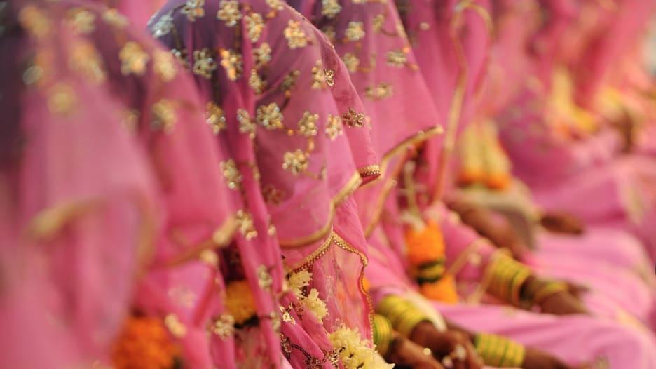 أثرياء من أفريقيا والشرق الأوسط يتزوجون قاصرات بالإكراه في الهند
