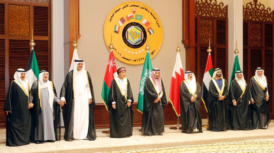 كريس سكينر لـCNN: العملة الخليجية الموحدة حلم لن يتحقق.. والبحرين هي الجسر المالي بين العالم والسعودية