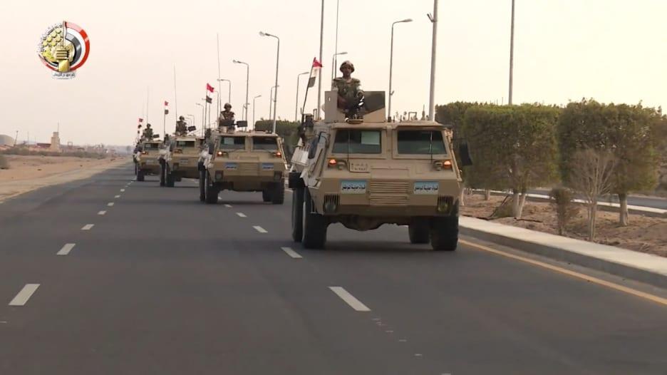 شاهد.. انتشار الجيش المصري بعد استهداف كنيستين في طنطا والإسكندرية