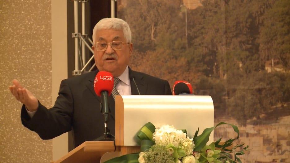 محمود عباس: حل الدولتين أساسي.. ولن نقبل بغيره