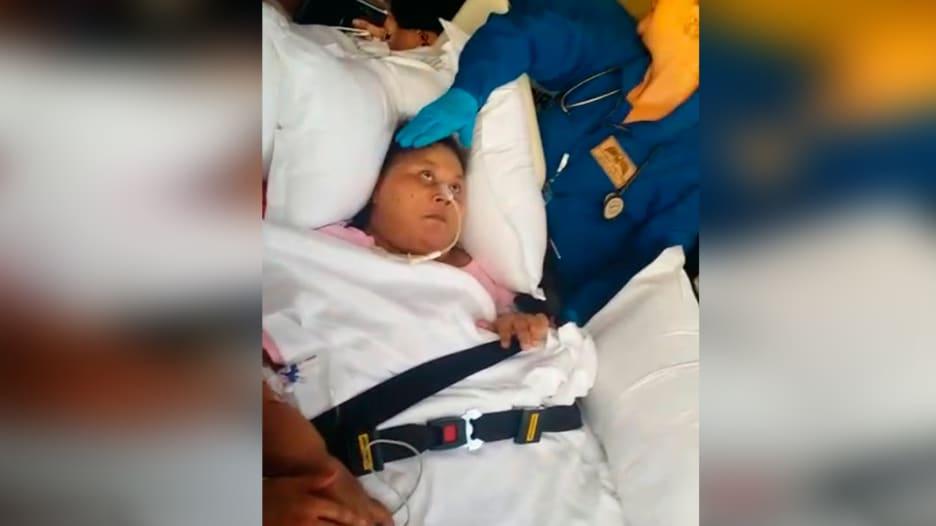 """""""أسمن"""" امرأة في العالم تصل إلى أبوظبي لاستكمال علاجها"""