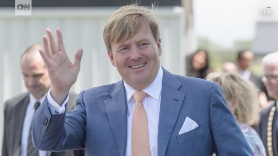 ما هي الوظيفة السرية التي احتفظ بها ملك هولندا لأكثر من 20 عاماً؟
