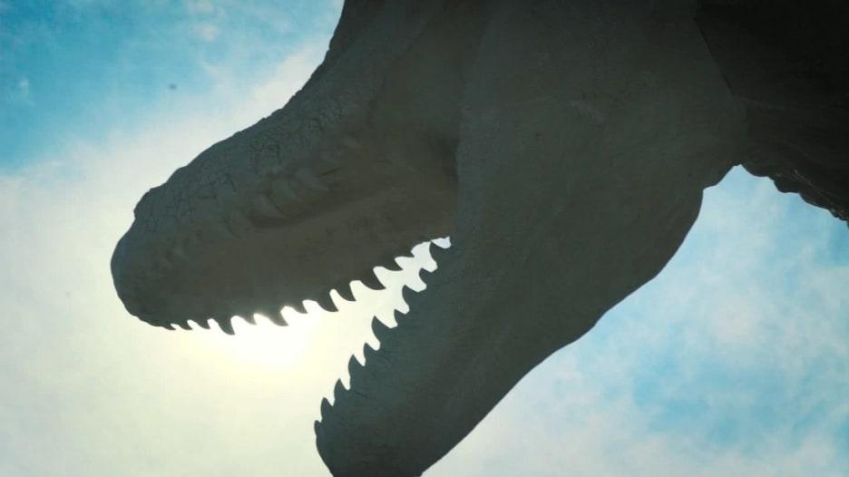 """ديناصورات """"تعود للحياة""""..على يد رجل صيني"""