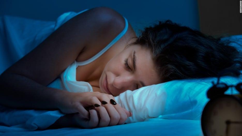 شاهد.. نصائح للحد من مرض انقطاع التنفس أثناء النوم