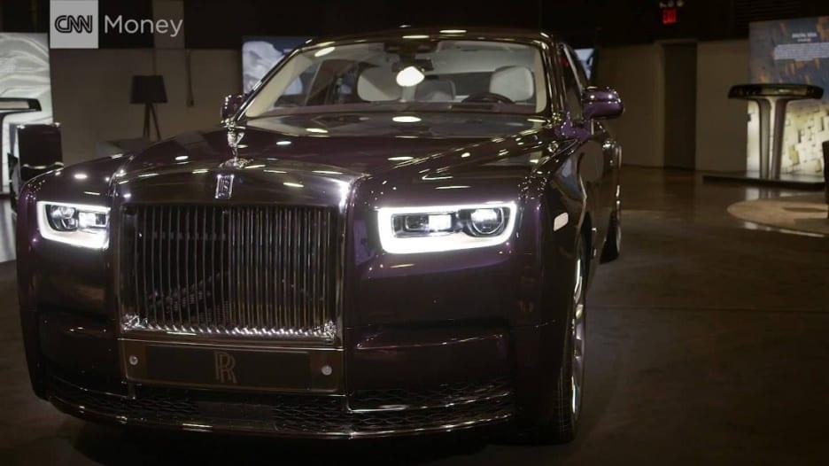 """""""رولز رويس"""" تكشف الجيل الجديد من سياراتها """"فانتوم"""""""