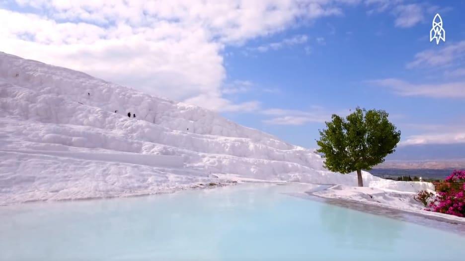 """جولة في """"قلعة القطن"""".. أشهر موقعفيتركيا"""