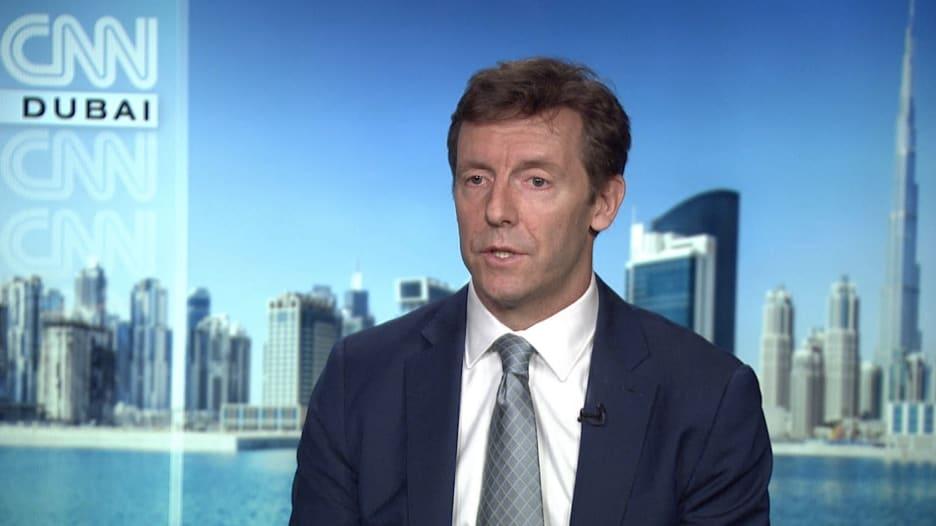 سفير بريطاني لـCNN: نثق بمبيعات الأسلحة للسعودية.. ونرحب بدور لإيران لحل أزمة اليمن بشرط