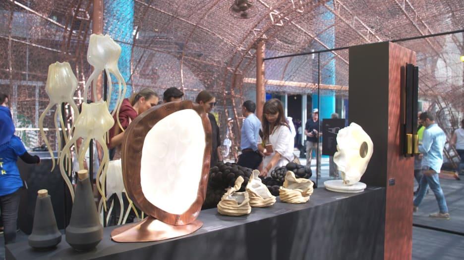 """معرض """"أبواب"""" الفني.. """"بوتقة"""" تجتمع فيها الصناعات المحلية العربية"""