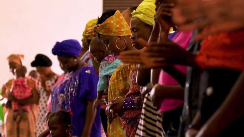 """تجار بالجنس يستخدمون """"الدين"""" لخداع النيجيريات"""