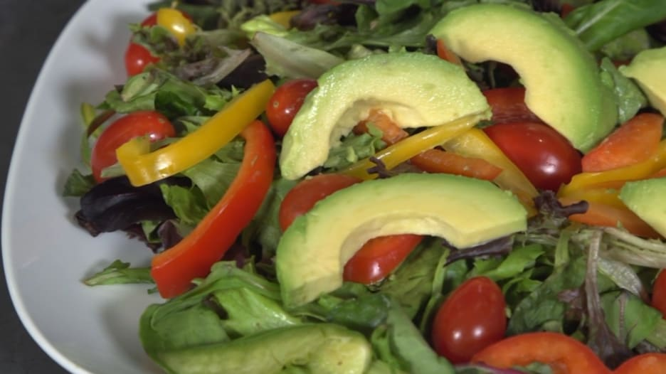 ما هي الفوائد الصحية لتناول فاكهة الأفوكادو؟