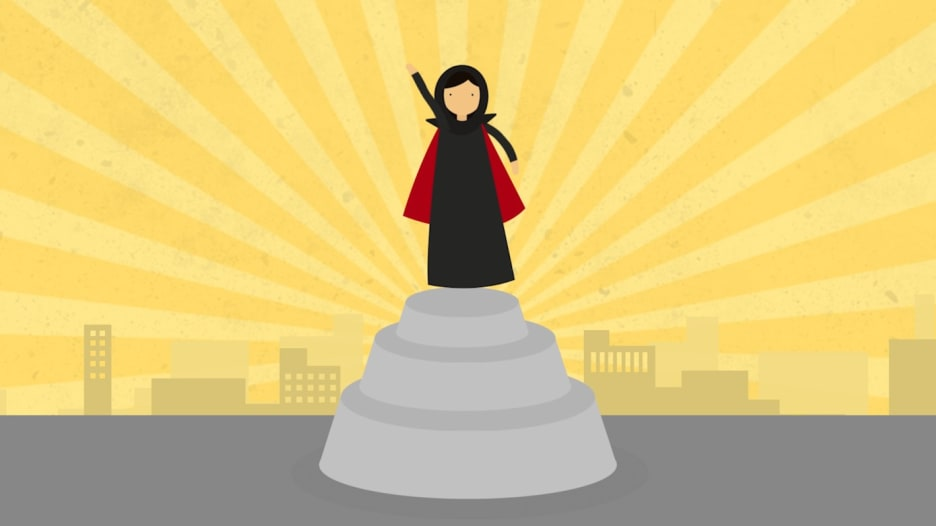 """المرأة السعودية: من امرأة بلا صوت إلى """"سوبر وومان"""""""