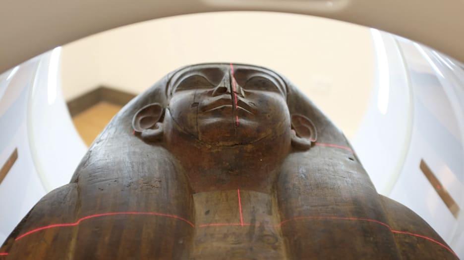 شاهد.. اكتشاف مومياء مصرية بأستراليا عمرها 2500 عام
