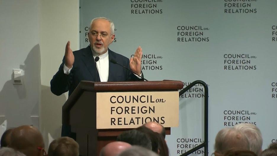 جواد ظريف: تدخلنا في العراق وسوريا لمحاربة التطرف.. ولم نصدر الثورة إلى كردستان