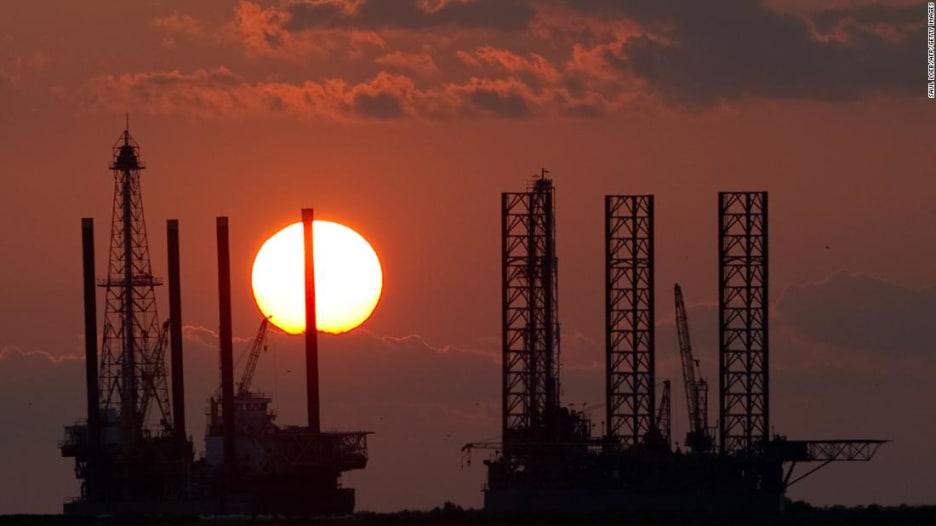 ما الذي يسبب ارتفاع أسعار النفط؟