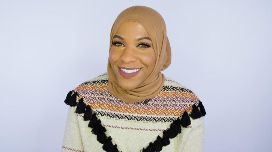 إبتهاج محمد.. أول مسلمة محجبة تفوز بميدالية أولومبية لأمريكا