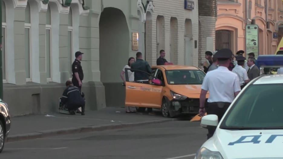 شاهد.. لقطات من موقع دهس سيارة لمارّة في موسكو