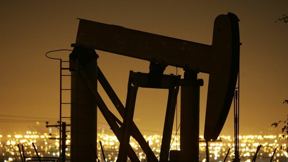 أسعار النفط تتذبذب على أصداء التصريحات الأمريكية - الإيرانية