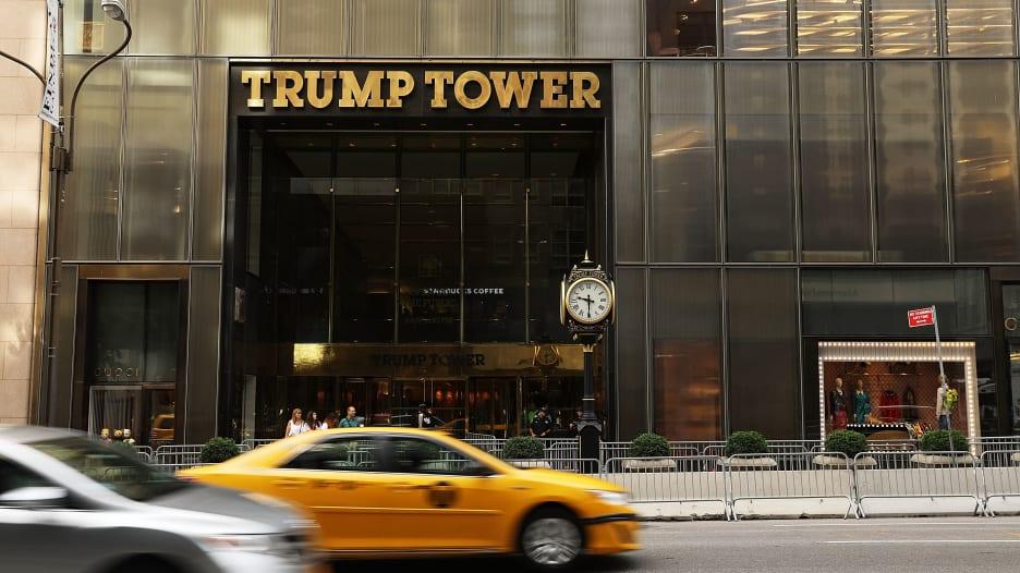 شاهد.. هذا ما نعرفه عن الاجتماع مع الروس في برج ترامب