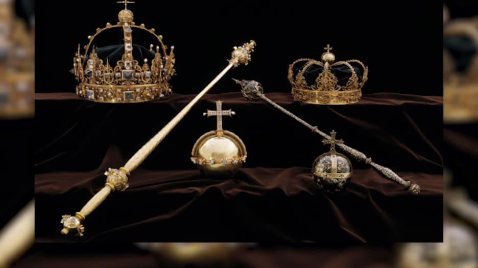شاهد.. سرقة جواهر ملكية سويدية لا تقدر بثمن من القرن الـ17