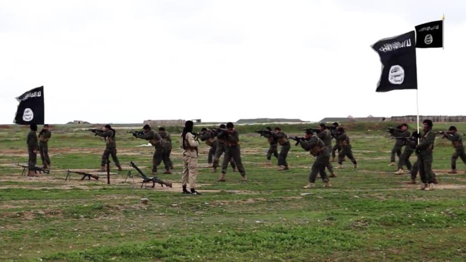 تقرير: داعش لديه 30 ألف مقاتل.. فهل أساءت أمريكا تقدير قوته؟