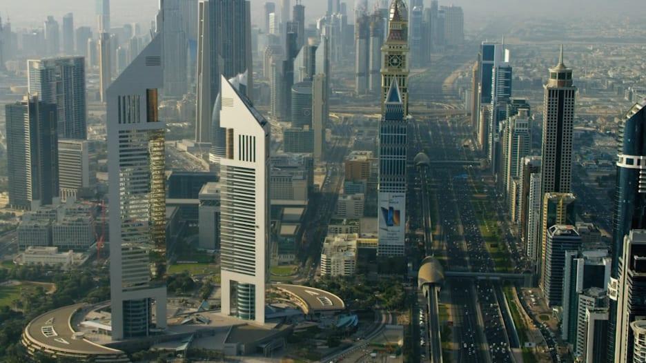 منها تأشيرة إقامة لـ10 سنوات.. دبي بصدد سن قوانين جديدة جذاب