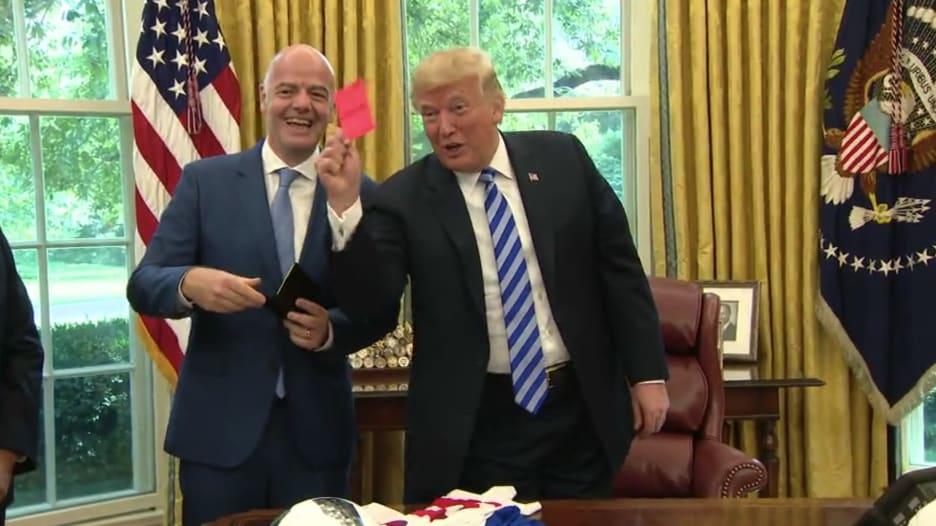 """ترامب يرفع """"الكارت الأحمر"""" للصحفيين في البيت الأبيض"""