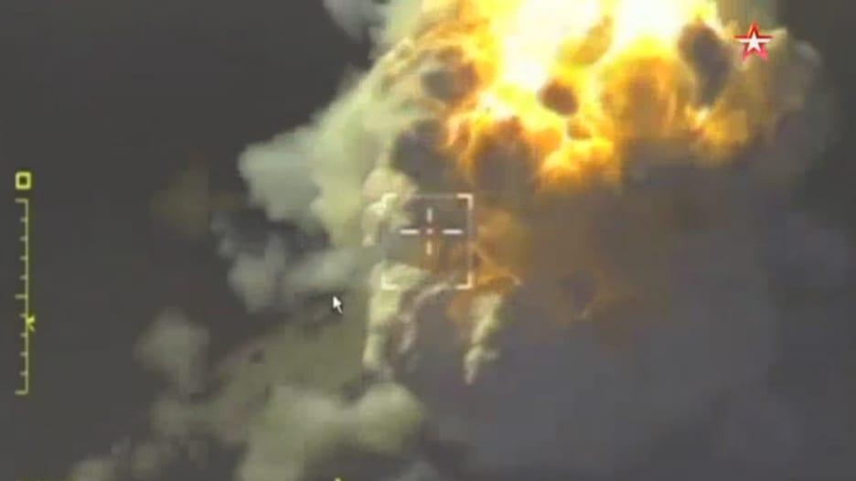 لحظة استهداف الطيران الروسي لمواقع جبهة النصرة في إدلب