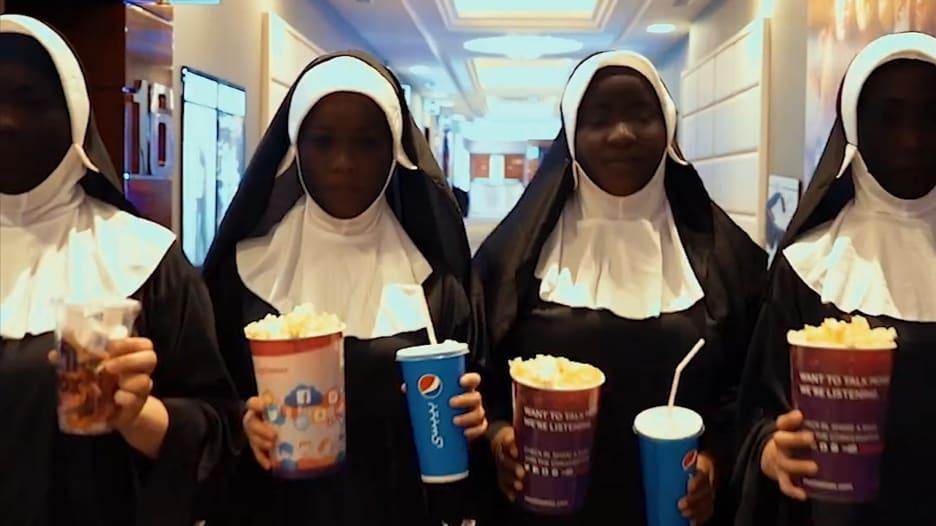 راهبات يُثرن الرعب في إحدى دور السينما في دبي